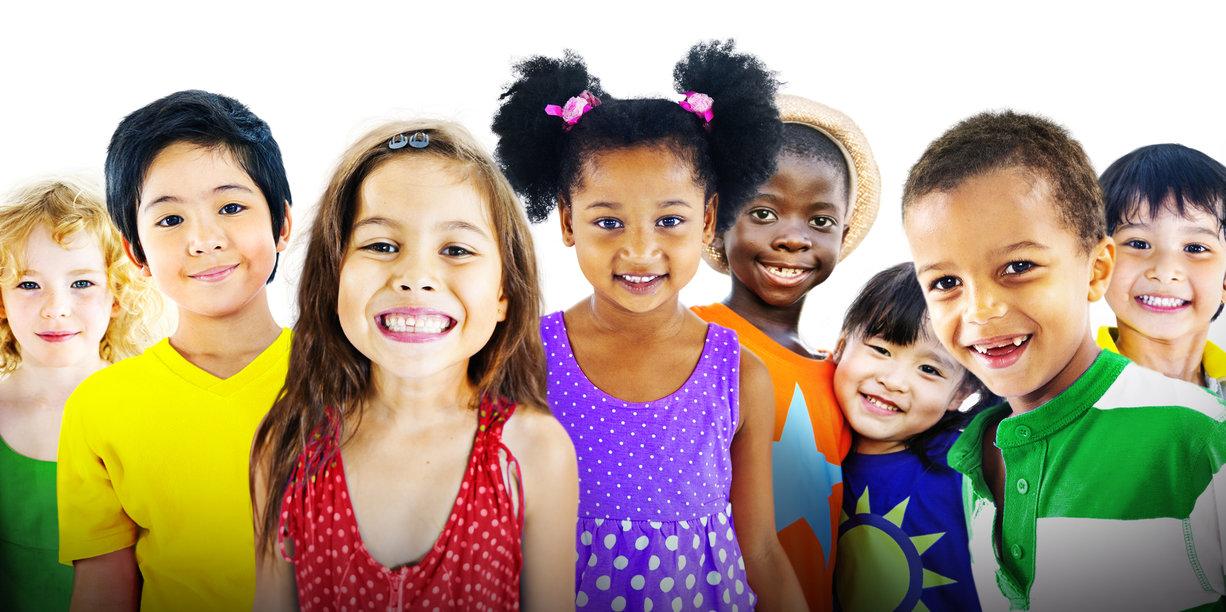كيف أربّي أطفالًا على التسامح وتقبل الآخر وأيّ قصص أقرأ لهم؟